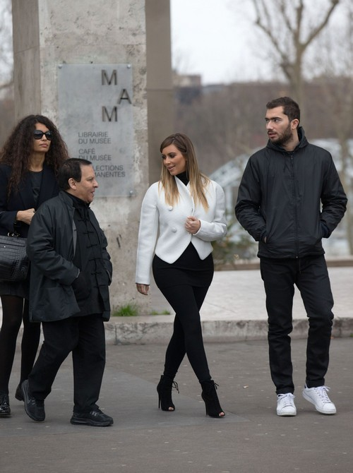 Kim Kardashian Visits Museums and Scouts Versailles For Wedding Venue (PHOTO-VIDEO)