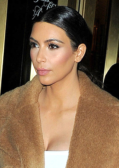 Kim Kardashian Insulted At Fancy Vienna Ball By Man In Black Face Mocking Kanye West!