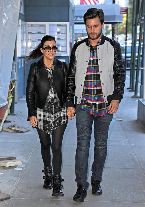 Kourtney Kardashian Distance Herself From Kim and Kris Jenner: Takes Scott Disick To NYC (PHOTOS)