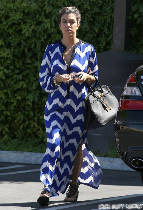 Kim, Khloe & Kourtney Kardashian Visit Their Mom's Office