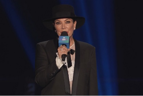 Kris Jenner's Soul Cries As She's Brutally Booed Off Stage