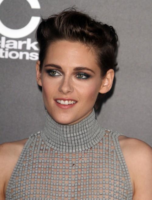 Kristen Stewart Intentional Rebranding Nip Slip For Robert Pattinson At Hollywood Film Awards?