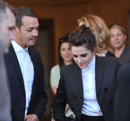 Is Kristen Stewart Actually The Victim in Affair With Rupert Sanders? 0802