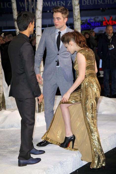 Kristen Stewart Dating Robert Pattinson: Twilight Stars Secret Hook-Up Plans at TIFF 2014