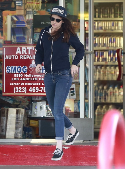 Kristen Stewart Spotted With Rumored Girlfriend Alicia - Is She Moving On From Robert Pattinson?
