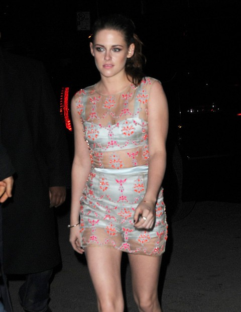Kristen Stewart Plans Boob Job with Bigger Breasts and Implants To Keep Robert Pattinson?