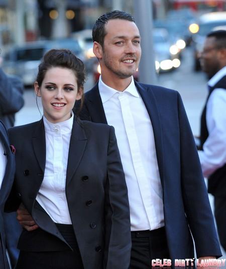 Report: Kristen Stewart Cheating On Robert Pattinson AGAIN – Texting Rupert Sanders!