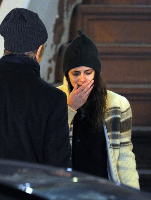 Robert Pattinson and Kristen Stewart Lonely Christmas: Couple Rebuilding Trust and Love For 2014