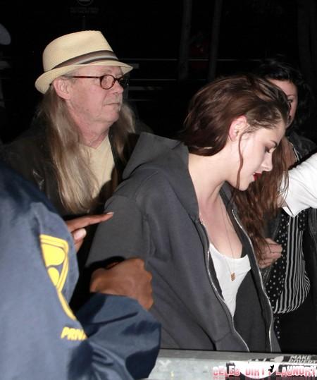 Kristen Stewart Date With Dad - Dumps Robert Pattinson (Photos)
