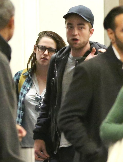 Robert Pattinson Will Dump Filthy Dirty Kristen Stewart If She Doesn't Shower (Photos)