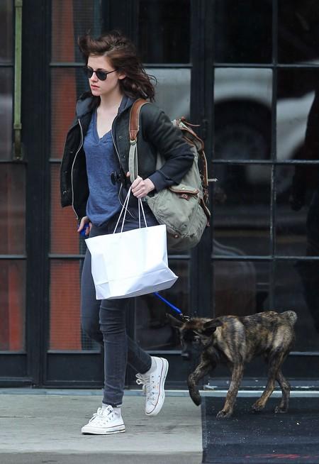 Robert Pattinson And Kristen Stewart's Romantic Dog Date