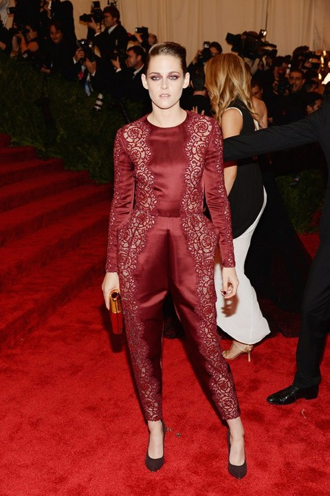 Robert Pattinson Dumps Kristen Stewart For MET Gala - Ashamed To Be Seen With Trampire? (PHOTOS)