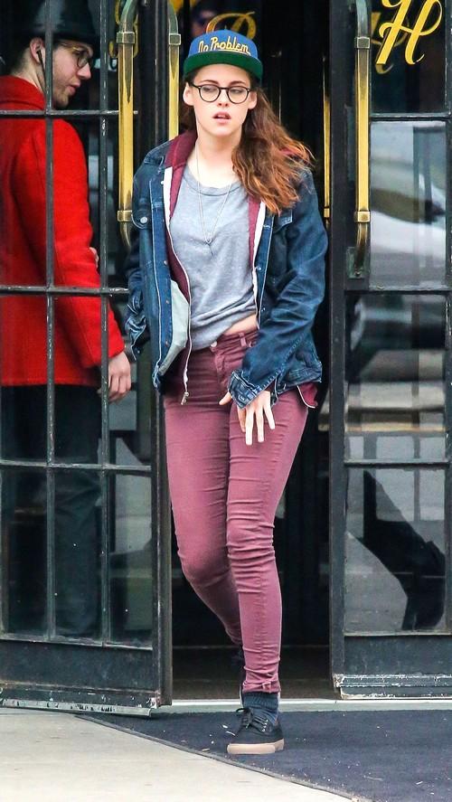 kristen stewart leaving her hotel in new york city celeb