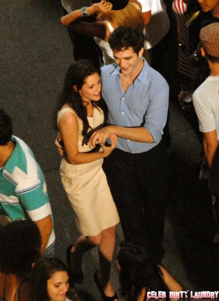 Eyewitness Report: Reconciled With Kristen Stewart Robert Pattinson A Happy Drinking Man