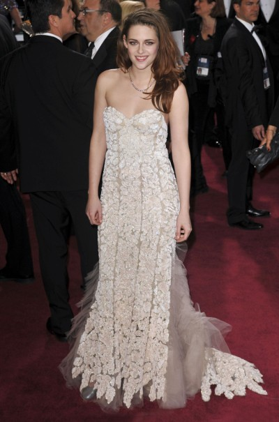Kristen Stewart - Worst Oscar Appearance Of The Night? 0225