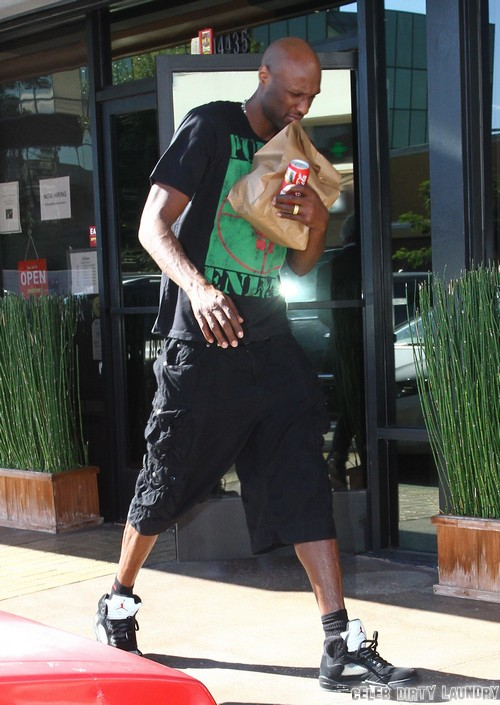 Lamar Odom Checks OUT of Rehab