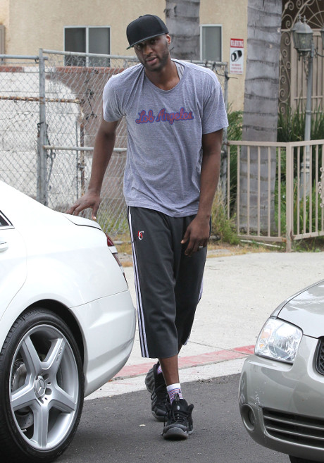 Lamar Odom's Cocaine Crisis: Clippers Take Re-Signing Deal off the Table, Lamar Gears up for Rehab!