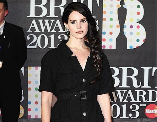 lana-del-ray-brit-awards-2013-red-carpet-arrivals