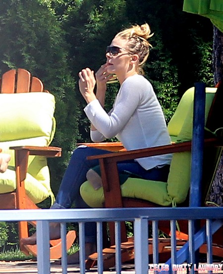 Leann Rimes Out With Family After Rehab - The Crumbling Life of a Desperate Woman?