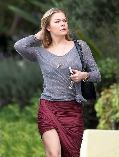 Exclusive... LeAnn Rimes Shopping In Santa Monica