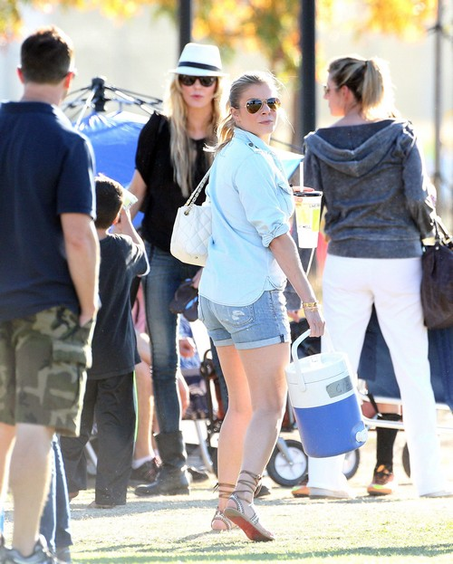LeAnn Rimes and Brandi Glanville Fist Fight At Kids Soccer Game - Distracts From Mutual Hatred (PHOTOS)