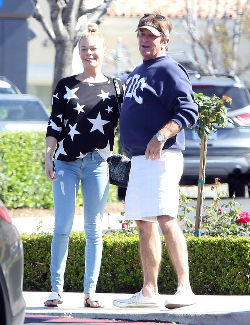 LeAnn Rimes Spotted With Mystery Man In Calabasas (PHOTOS)
