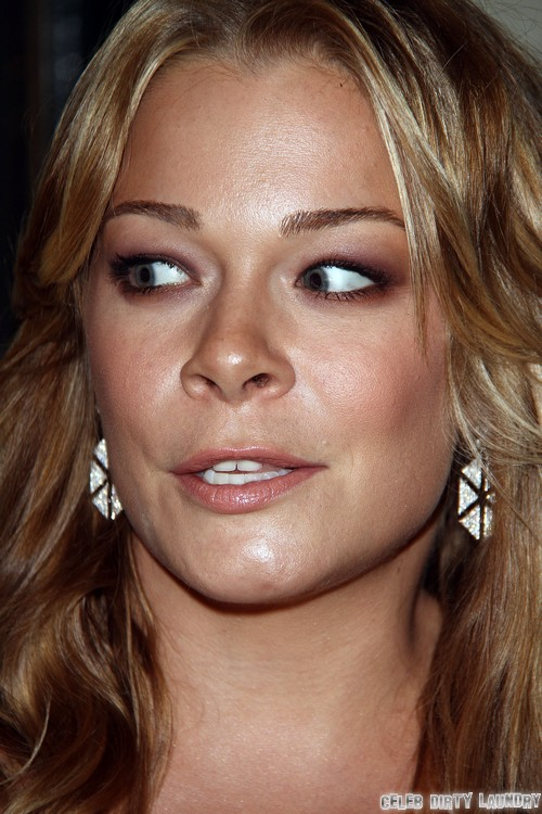 LeAnn Rimes Not Pregnant, Baby Bump A Myth, Furious Over Being Considered Fat - Vain or Paranoid