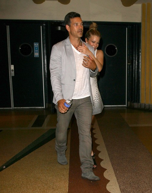 LeAnn Rimes Clinging To Eddie Cibrian and Her Marriage But Failing Desperately