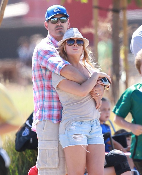 LeAnn Rimes Avoids Smiley Family Deposition But Finds Time For Staged Pumpkin Patch Photo Op