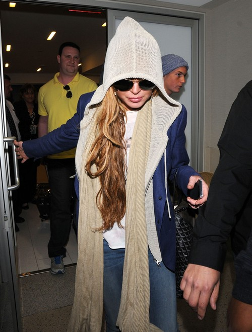 Lindsay Lohan and Alec Baldwin Get Touchy Feely: Hilaria Freaks Out