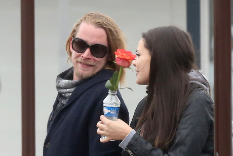 Macaulay Culkin Healed by Love: Appears Healthy in Paris Alongside Mystery Girlfriend! (PHOTOS)