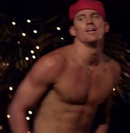 Channing Tatum Goes Shirtless In 'Magic Mike' (Video)