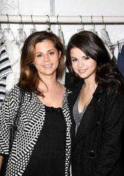 Selena Gomez's Mother Mandy Teefey – What She Has To Say On The Justin Bieber Breakup