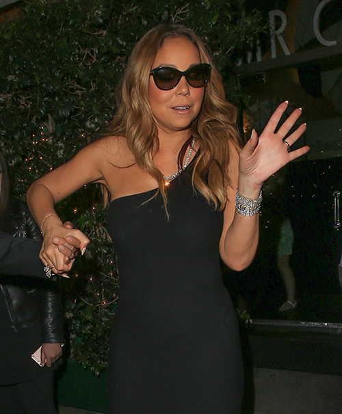 Mariah Carey Assures World That James Packer Wedding Still On: It Takes Time!