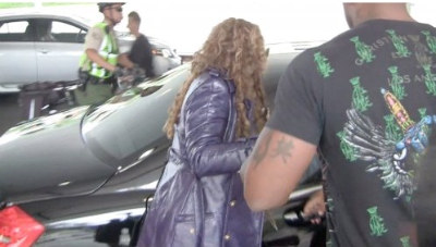 Mariah Carey Was In A Wheelchair [Photos]