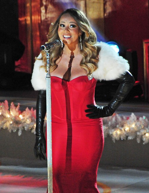 Mariah Carey Performs For Dictator Hassanal Bolkiah's Family On New Year's Eve