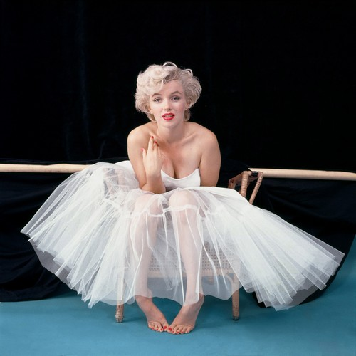 Marilyn Monroe Suffocated by Robert Kennedy? - Report