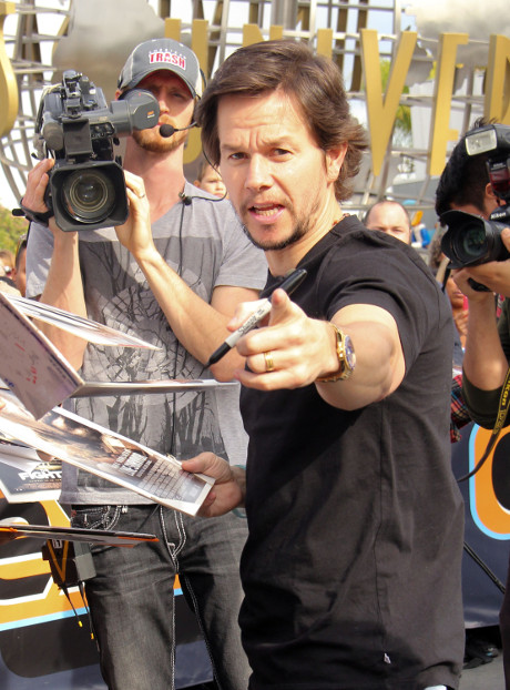 mark_wahlberg_one_direction_harry_styles
