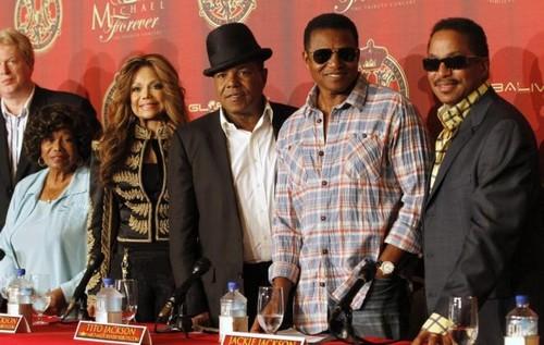 Michael Jackson's Children, Paris and Prince, Face Devastation in AEG Wrongful Death Suit