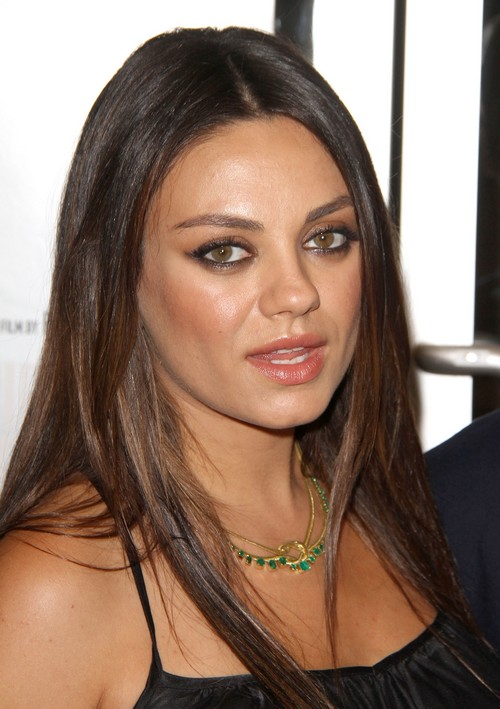 Pregnant Mila Kunis Back Together With Macaulay Culkin After Ashton Kutcher Annoys Her?