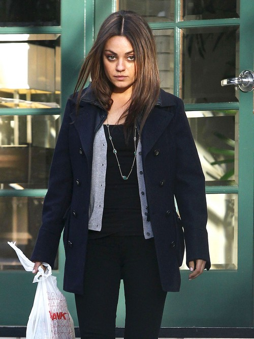 Mila Kunis Sparks Pregnancy Rumors: Steps Out With A Baby Bump (PHOTOS)