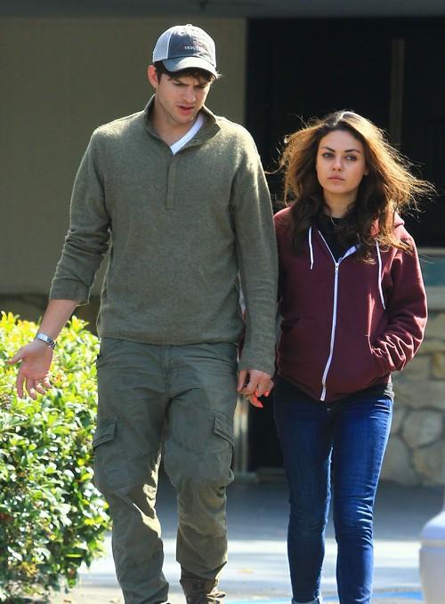 Ashton Kutcher And Mila Kunis Engaged, Ashton Finally Popped The Question - Report