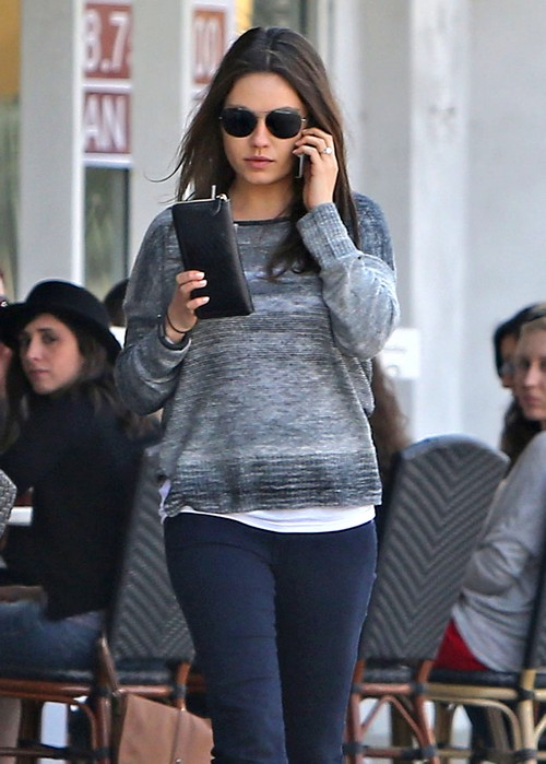 Demi Moore Becomes Unhinged Over Mila Kunis and Ashton Kutcher's Pregnancy - A Restraining Order In Her Future?