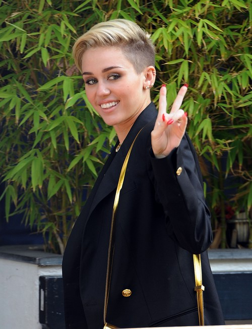 Miley Cyrus Calls Paparazzi A C*nt