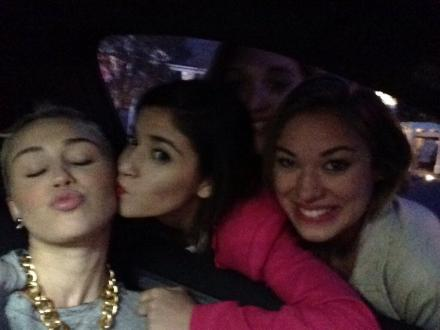 Miley Cyrus Lesbian? Kisses Girls And Likes It (Photo)