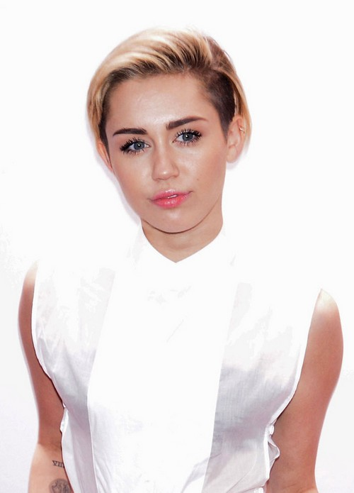 Miley Cyrus Slams Ex-Fiancee Liam Hemsworth - Can't Forgive Him For Dumping Her