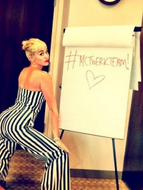 Miley Cyrus Twerks For Liam Hemsworth: He Wants January Jones! (VIDEO)
