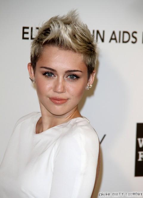 Miley Cyrus Calls Off Wedding Over Liam Hemsworth Cheating Scandal – Behaving Like A Single