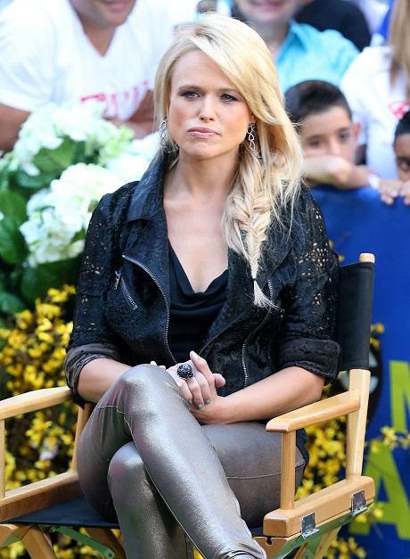 Miranda Lambert Divorce Looms: Strict Dieting Makes Her Hate Blake Shelton More Than Ever!