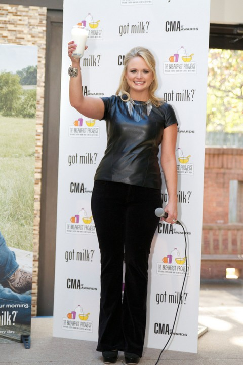 Miranda Lambert Parties Up A Storm At Kentucky Derby While Blake Shelton Is Far Away